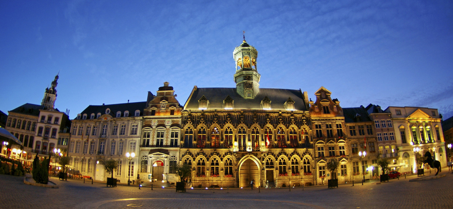Die Grand Place in Mons